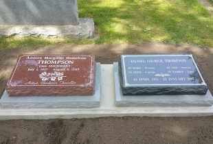 Pacific Red and Charcoal Grey Granite Pillow Markers